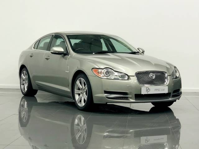 Jaguar XF 3.0d V6 Luxury 4dr Auto Saloon Diesel Metallic Gold at Phil Presswood Specialist Cars Brigg