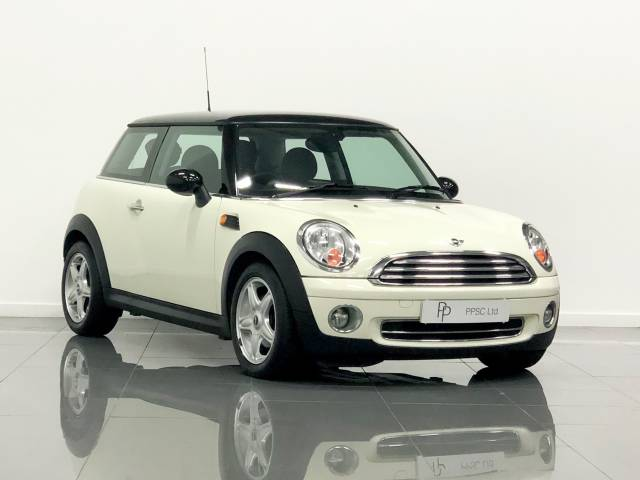 Mini Hatchback 1.6 Cooper 3dr Auto Hatchback Petrol Pepper White at Phil Presswood Specialist Cars Brigg