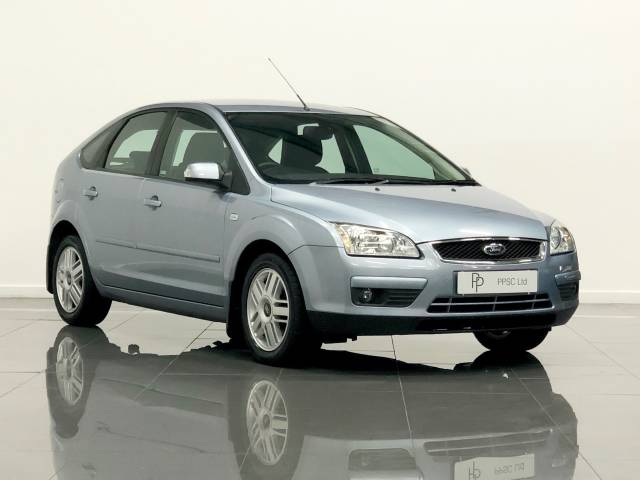 Ford Focus 1.6 Ghia 5dr Auto Hatchback Petrol Metallic Blue at Phil Presswood Specialist Cars Brigg