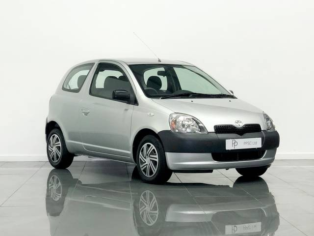 Toyota Yaris 1.0 16v VVTi GS 3dr Hatchback Petrol Metallic Silver at Phil Presswood Specialist Cars Brigg