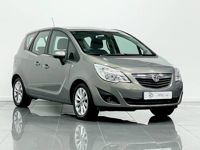 Vauxhall Meriva 1.4T 16V Active 5dr MPV Petrol Metallic Champagne Gold at Phil Presswood Specialist Cars Brigg