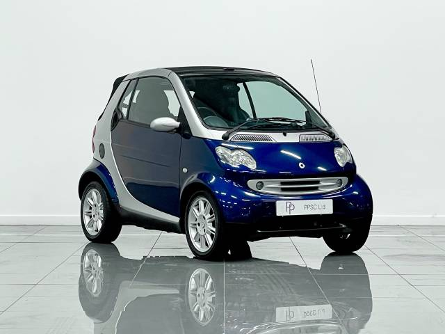 Smart City-Cabriolet 0.7 Passion 2dr Auto Coupe Petrol Silver/ble at Phil Presswood Specialist Cars Brigg