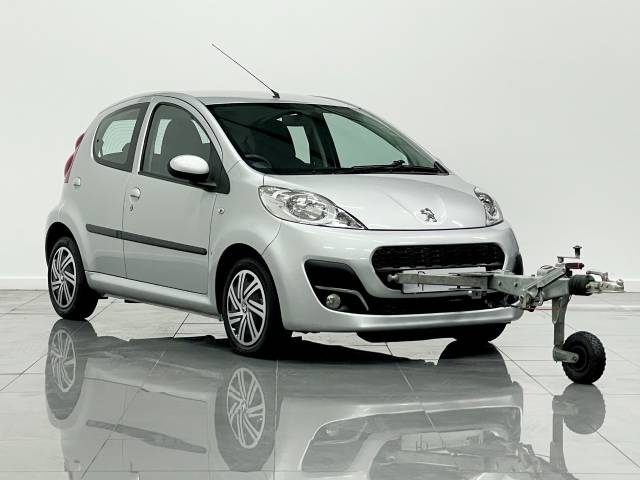 Peugeot 107 1.0 Active 5dr Hatchback Petrol Silver at Phil Presswood Specialist Cars Brigg