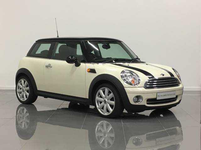 Mini Hatchback 1.6 Cooper [122] 3dr Hatchback Petrol Pepper White