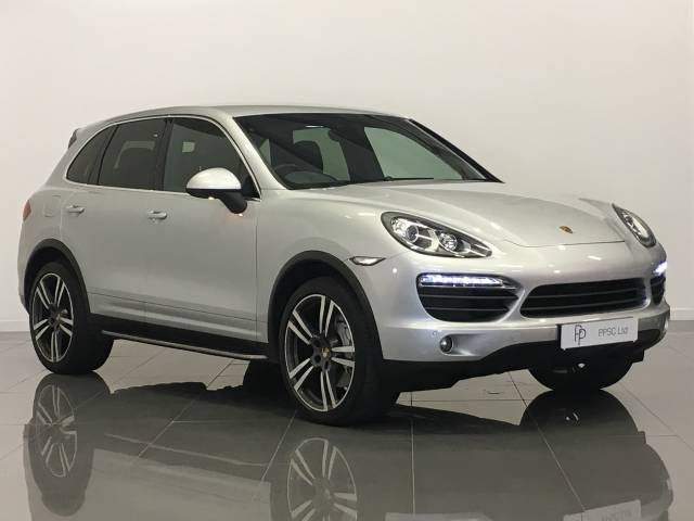 Porsche Cayenne 4.8 V8 S Four Wheel Drive Petrol Silver at Phil Presswood Specialist Cars Brigg