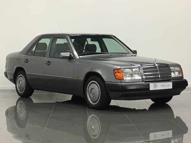 Mercedes-Benz 230 2.3 E230 Saloon Petrol Pearl Grey at Phil Presswood Specialist Cars Brigg