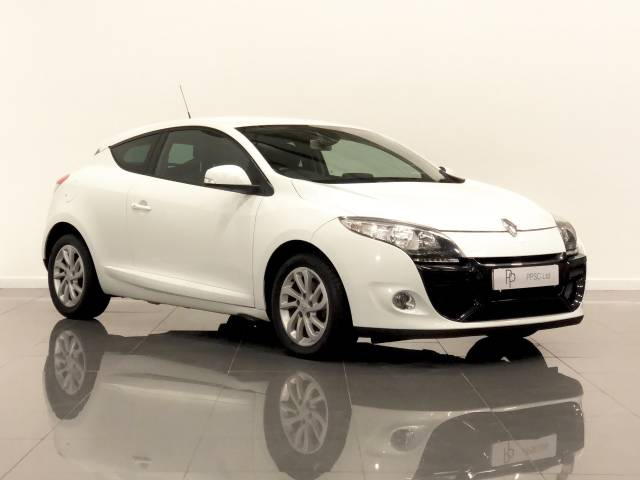 Renault Megane 1.5 dCi 110 Dynamique TomTom 3dr EDC Coupe Diesel White at Phil Presswood Specialist Cars Brigg