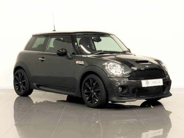 Mini Hatchback 1.6 Cooper S 3dr Hatchback Petrol Grey at Phil Presswood Specialist Cars Brigg