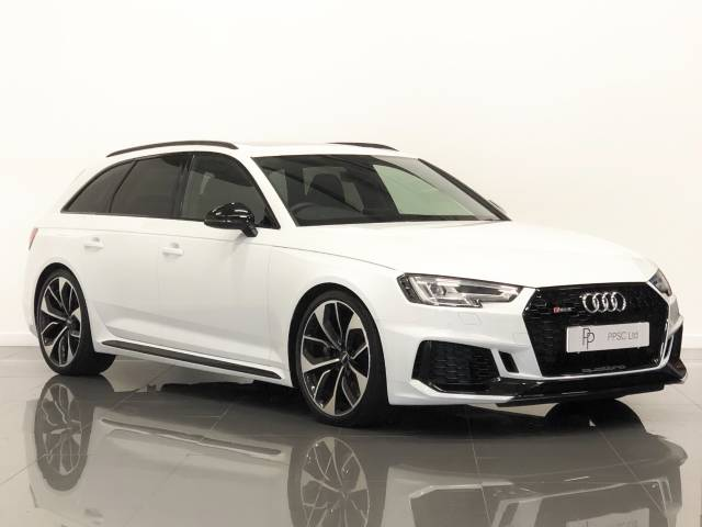 Audi RS4 2.9 TFSI Quattro 5dr Tip tronic Estate Petrol Glacier White at Phil Presswood Specialist Cars Brigg